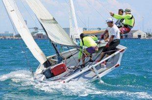 The native-built Chalana class in action. Photo Credit: Carlos G. Lee / Majaderos.com