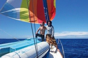 Fatty and his brother Morgan trying to fill the droopy spinnaker with hot air on Ganesh